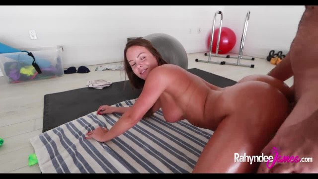 Rahyndee Working out Oiled Ass Twerking Sucking and Fucking with POV Facial