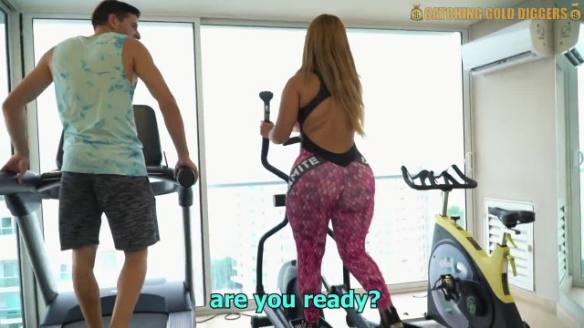 Venezuelan Big Booty Gold Digger Gets Fucked After A Workout
