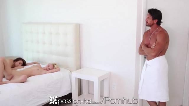 Passion HD Lesbians Teens Sammie Daniels and Naveen Ora in Threesome