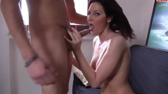 German amateur blowjob and doggystyle sex on camera